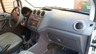 Ford Grand Tourneo Connec 2012