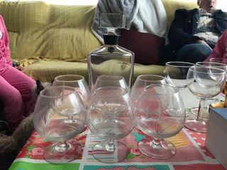vasos y jarra
