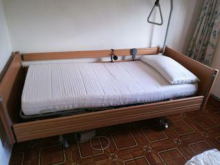 cama articulada y grua