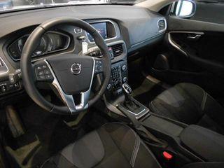 VOLVO V40 2.0 D3 MOMENTUM AUTO 150 5P