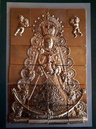 Mosaico de la Virgen del Rocio en bronce y laminas
