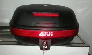 Baúl top case givi 55l