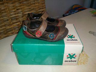 Mercedita-zapato niña. ACEBOS