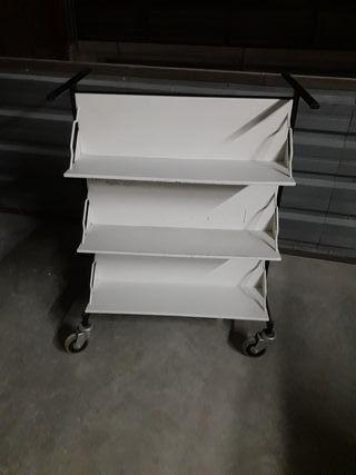 carro porta-libros metálico