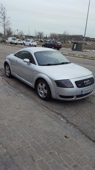 Audi TT 1.8 .