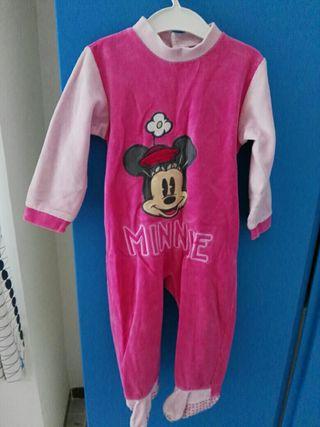 seis pijamas bebé 18/24 meses.
