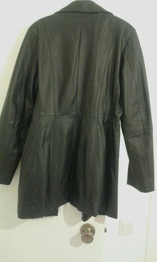 chaqueta de piel nueva por no usarla talla 42