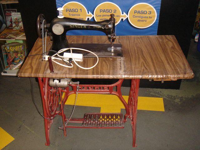 maquina de coser SINGER con motor