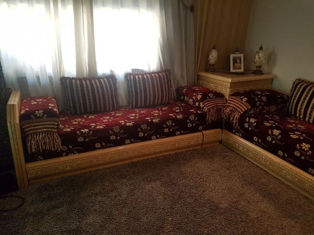 Sofa marroqui buen estado 2m20 por 2m 65 de segunda mano for Sofas sant boi