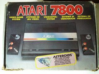 Consola Atari 7800 con juegos