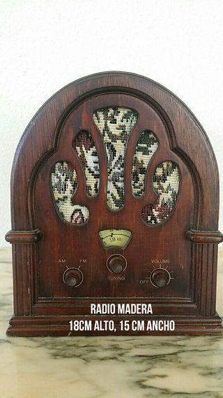 Ràdio madera estilo antiguo