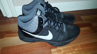 987226b7e Mano Por De Zapatillas En 20 Nike Baloncesto 44 N € Segunda RxqYOf