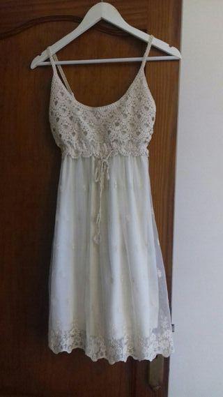 vestido sin uso talla 38, marca formula joven