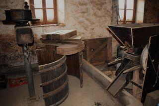 Llagar de sidra (prensa) + trituradora de manzanas