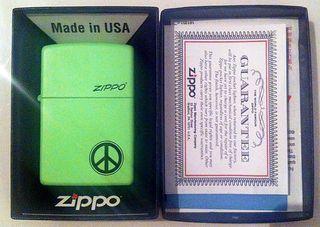 Zippo Peace Modelo 21122 - Lemon Lime Matte
