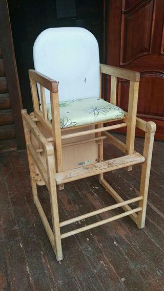 Trona bebé transformble en mesa y silla