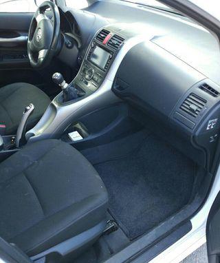 Toyota Auris seria limitada 177cv 5P