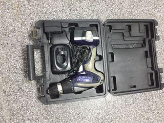 Atornilladora de bateria