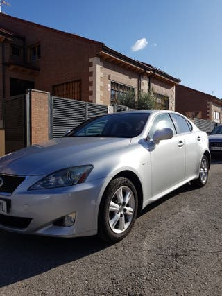 Lexus IS 220D Luxury Multimedia