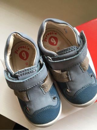 Zapato bota garvalin talla 22. Nuevos