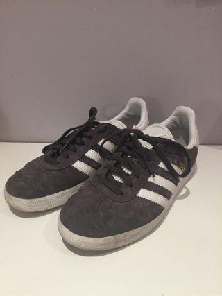 Zapatillas Adidas Galleze gris