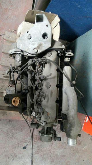 se vende motor 1900 dci 100 cv