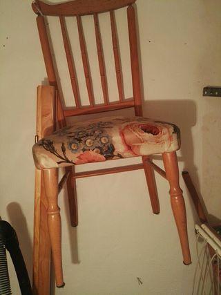 4 sillas en buen estado
