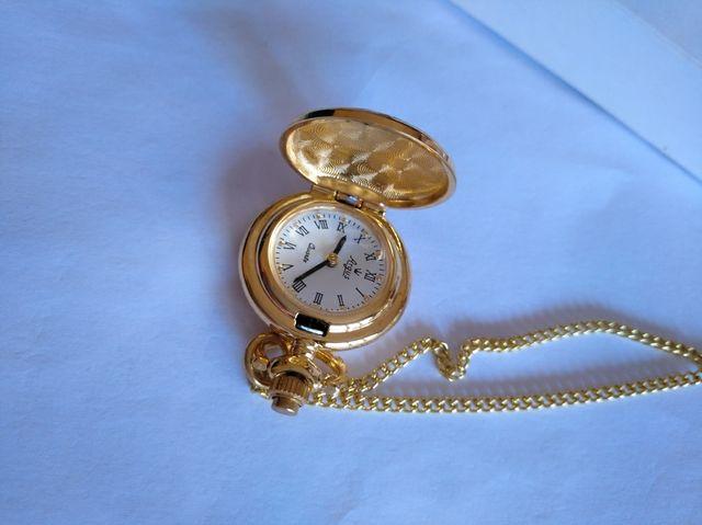 f98f924f69c2 Reloj colgante de mujer. Nuevo de segunda mano por 12 € en Madrid en ...