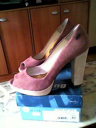 lote de 3 pares de calzado,40 euros
