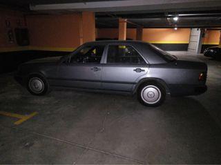 mercedes-benz 300 e 1990.