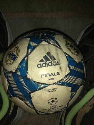 balon de fútbol mini