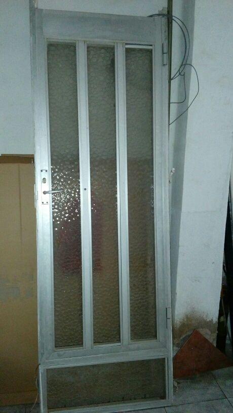 Puerta exterior de aluminio y cristales de segunda mano for Puerta cristal exterior
