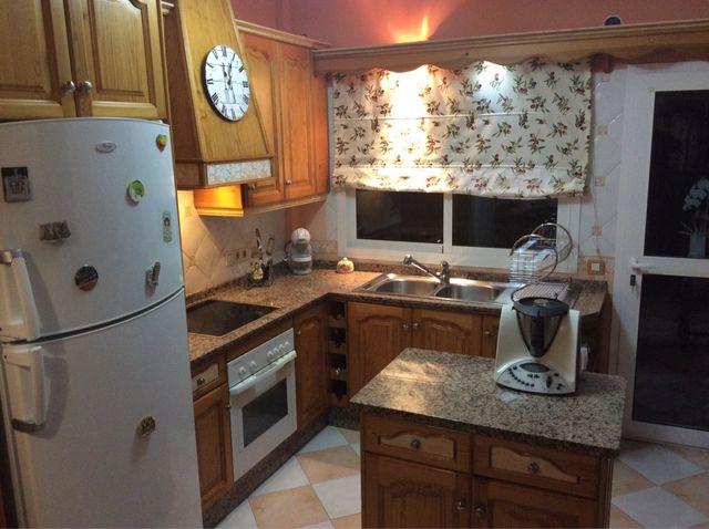 Muebles de cocina madera de pino. de segunda mano por 500 € en ...