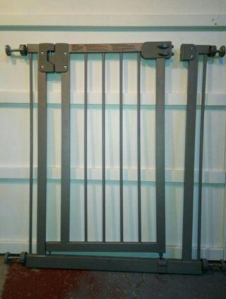 Barrera seguridad puerta o escaleras