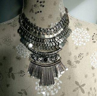Maxi collar plateado