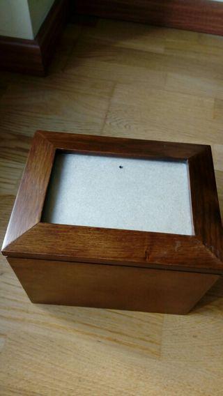 Caja madera con marco foto