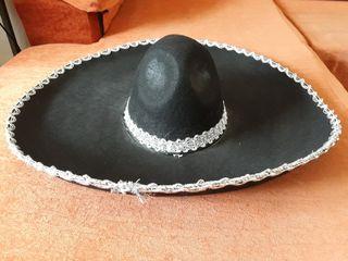 Sombrero de mariachi de segunda mano en WALLAPOP e53fc4494e9