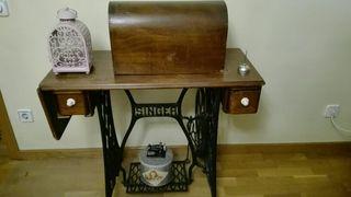 Máquina de coser Singer del año 1915