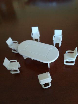 mesa y sillas casa de muñecas