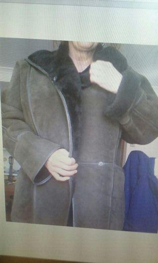 Abrigo piel vuelta mutón con pelo