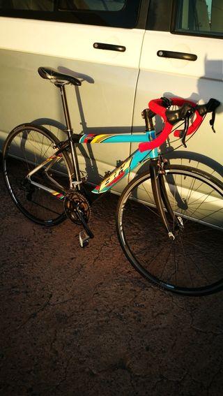 Bicicleta bh557