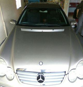 Mercedes-benz 220 cupé 2003