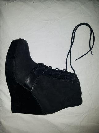 Botines negros de Zara