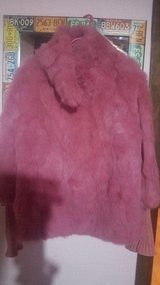 abrigo corto de piel de conejo rosa