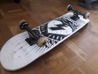 Monopatín Skate Mystery