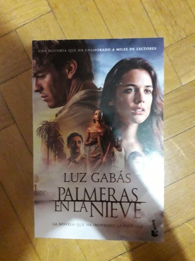 """Libro """"Palmeras en la nieve"""""""