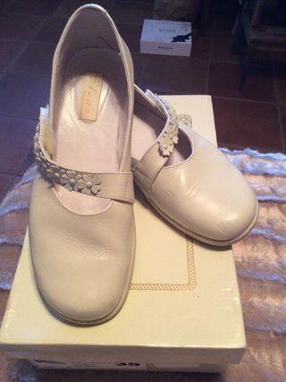 Zapato comunion beig n-35 PIEL
