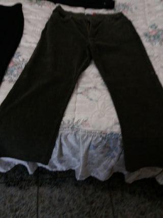 vendo pantalón de pana talla 48-50mas dos negros d