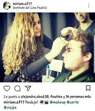 Maquilladora profesional TITULADA