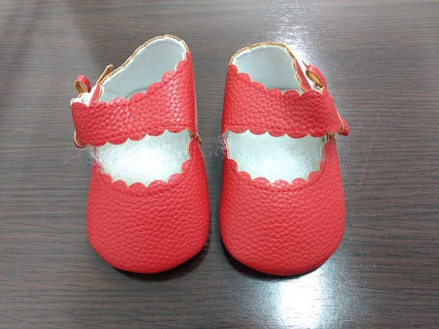 30473a656 Zapatos bebé talla 6-12 meses de segunda mano por 5 € en Paracuellos ...